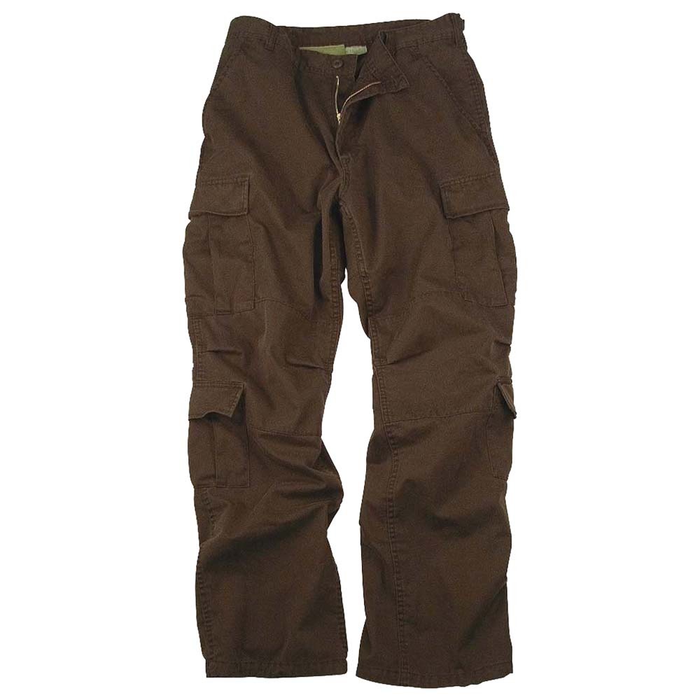 Comfortable cargo pants for every day wear. The Wrangler twill cargo pant is made of % cotton with a looser fit through the seat and thigh and a comfortable straight leg opening.